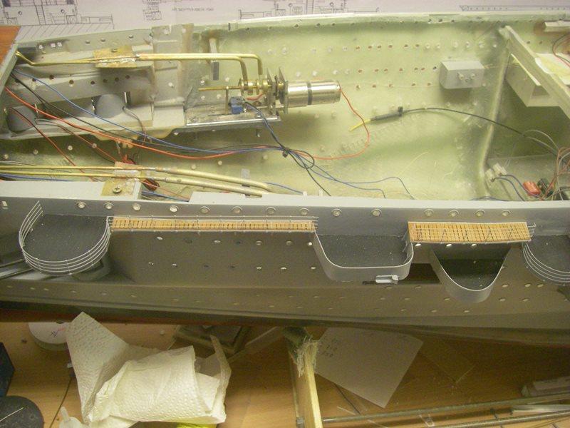 Flugzeugträger Graf Zeppelin 1:100 - Seite 33 Imgp8029