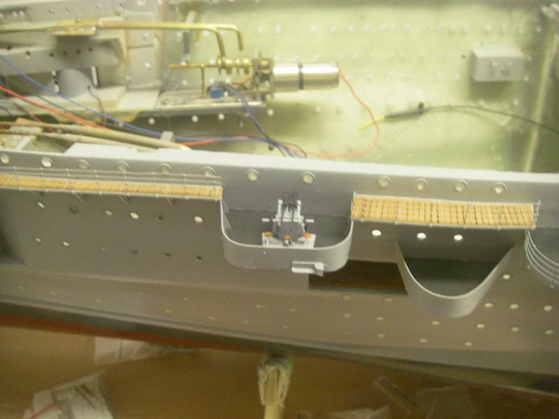 Flugzeugträger Graf Zeppelin 1:100 - Seite 33 Imgp8036