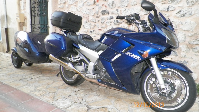 YAMAHA FJR 1300 plus Remorque porte bagages GENCO 100_0714