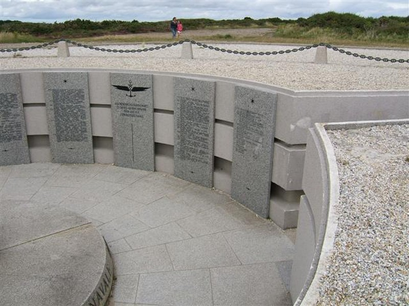 Memorial de l'Aeronautique Navale du Cap de la Chévre Juille11