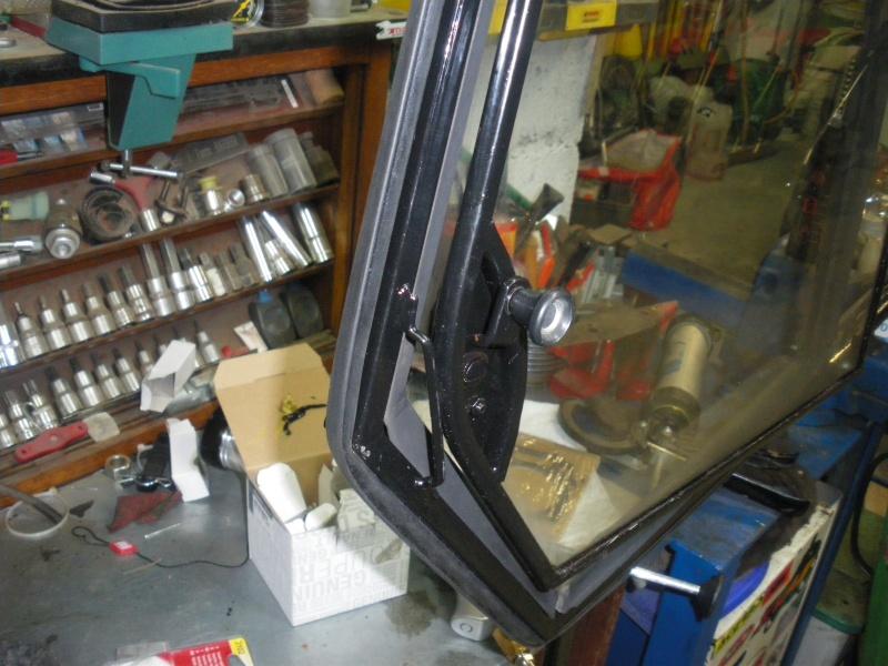 joints caoutchouc de portes torpédo et de cadre de vitre unimog 421 Imgp0449