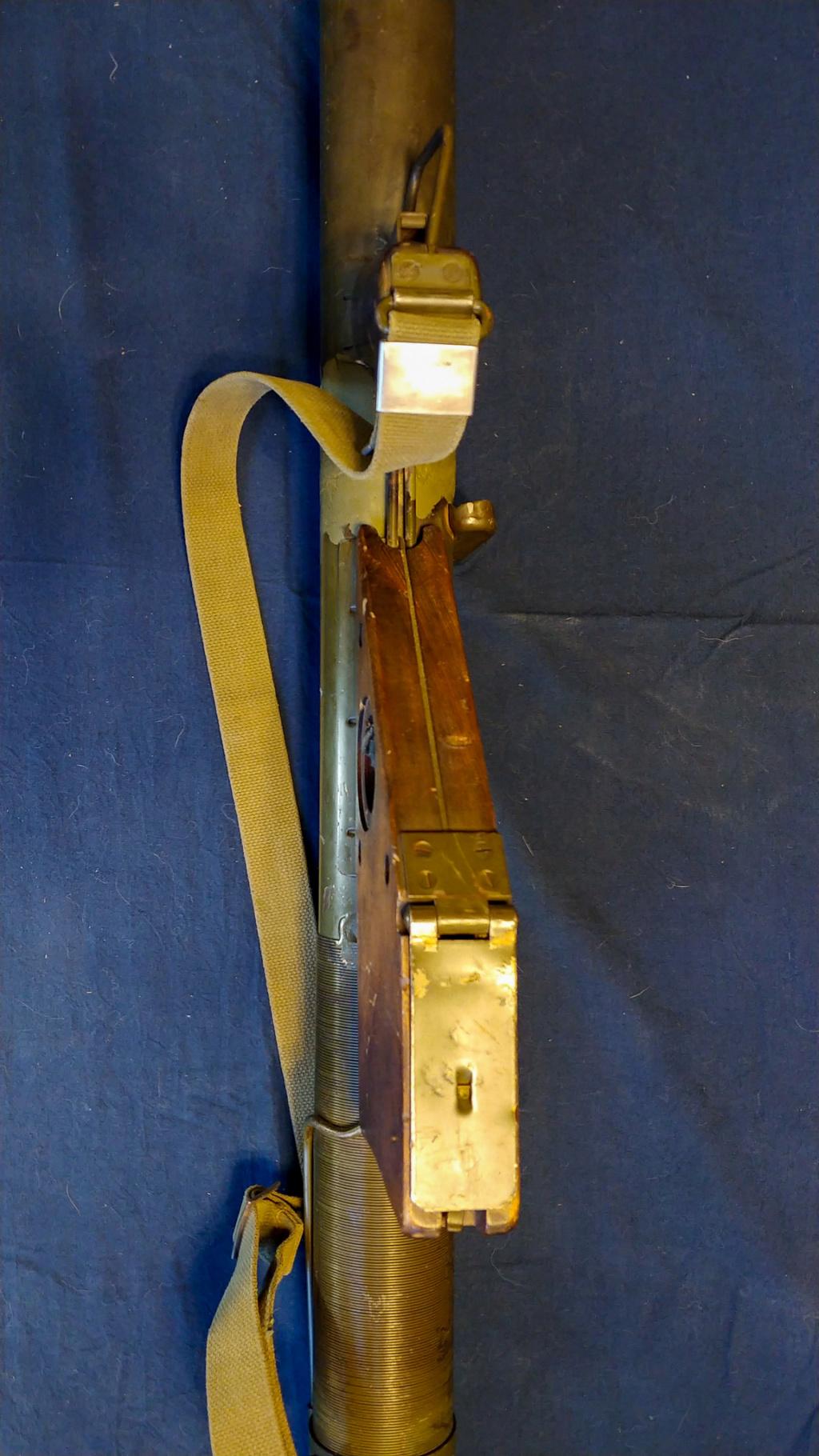 Le lance roquette * U.S. M1 A1 de 2,36 pouces (60mm). ( * Rocket Launcher * ) 10182010