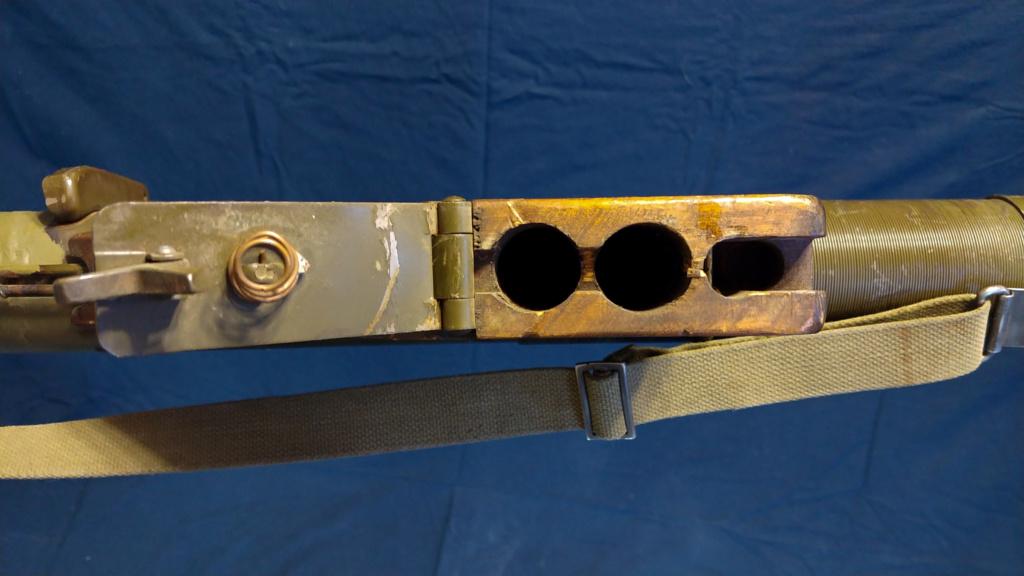 Le lance roquette * U.S. M1 A1 de 2,36 pouces (60mm). ( * Rocket Launcher * ) 10182011