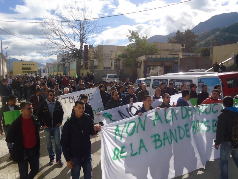 Marche à Aokas contre la destruction de la bande boisée  - Page 2 Dsc06625