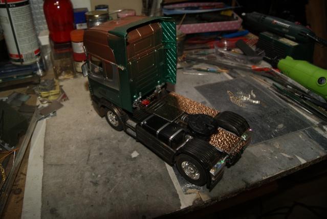 Présentation de ma nouvelle réalisation caravane de forain. Scania34