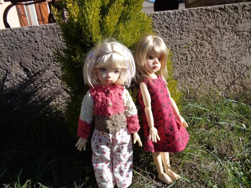 Camille et Mathilde profitent des cours de couture de Léoniepimpon - 1ère leçon Dsc02022