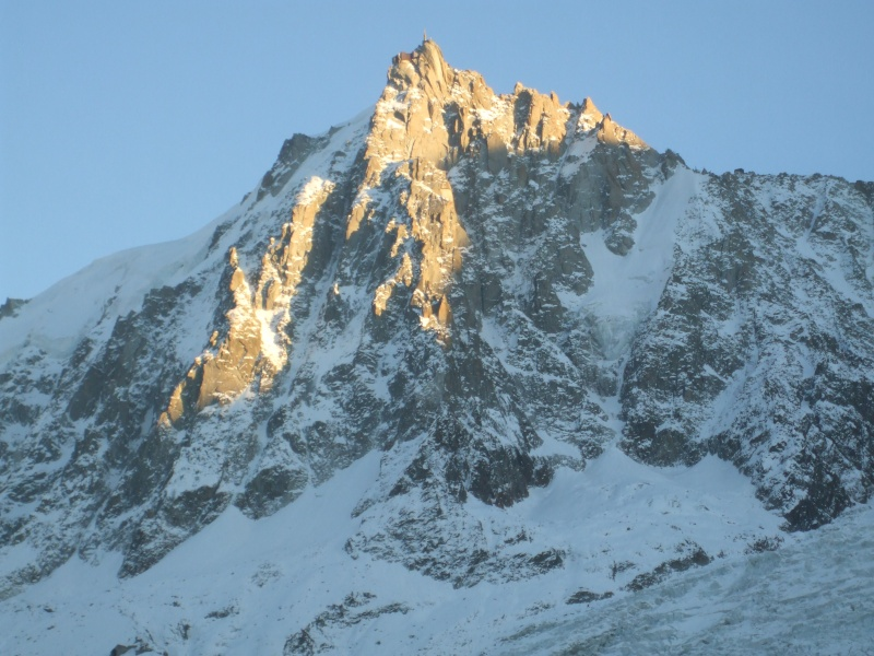 L'Aiguille du Midi, 3842 m - Page 3 Dscf4210
