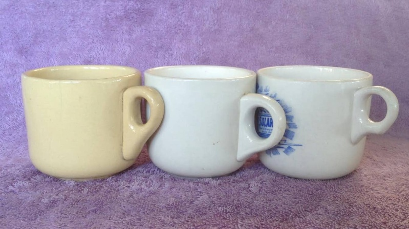 Ambrico e/w cups and saucers like smaller railway cups 700c10