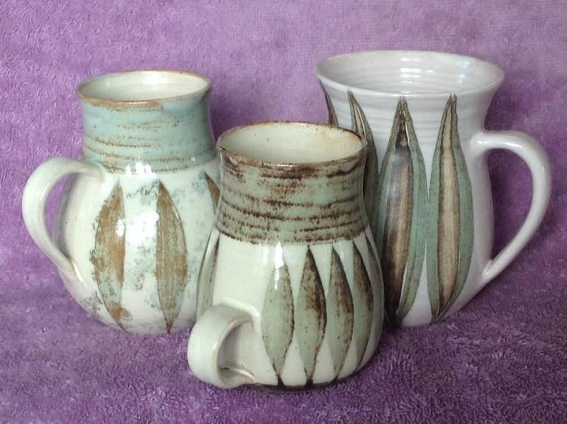 Hanmer Pottery mugs (4,5,6) and bowls (2) Hanmer13