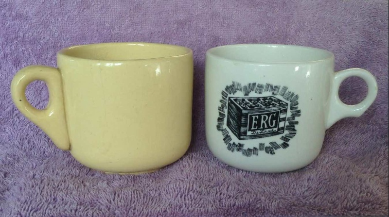 Ambrico e/w cups and saucers like smaller railway cups Mine10