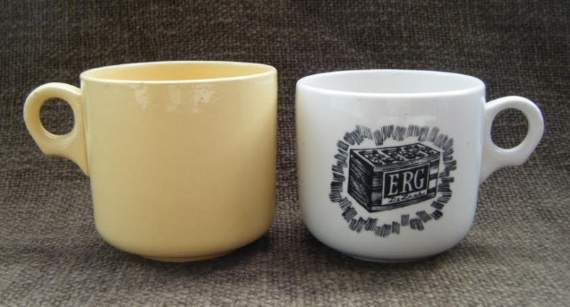 Ambrico e/w cups and saucers like smaller railway cups Miriam10