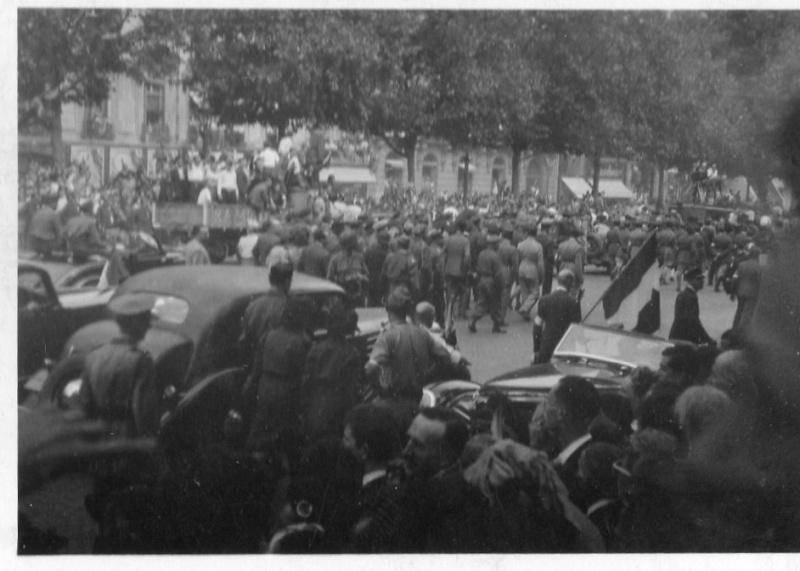lot photos liberation paris datée 26 aout  et 29 sept 1944 Photo_24