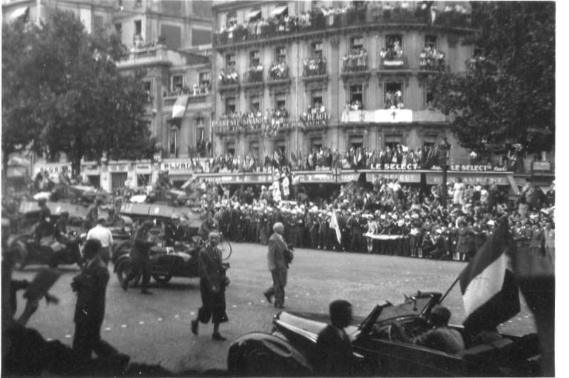 lot photos liberation paris datée 26 aout  et 29 sept 1944 Photo_28