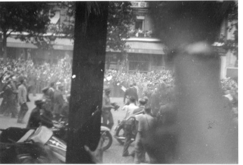 lot photos liberation paris datée 26 aout  et 29 sept 1944 Photo_30