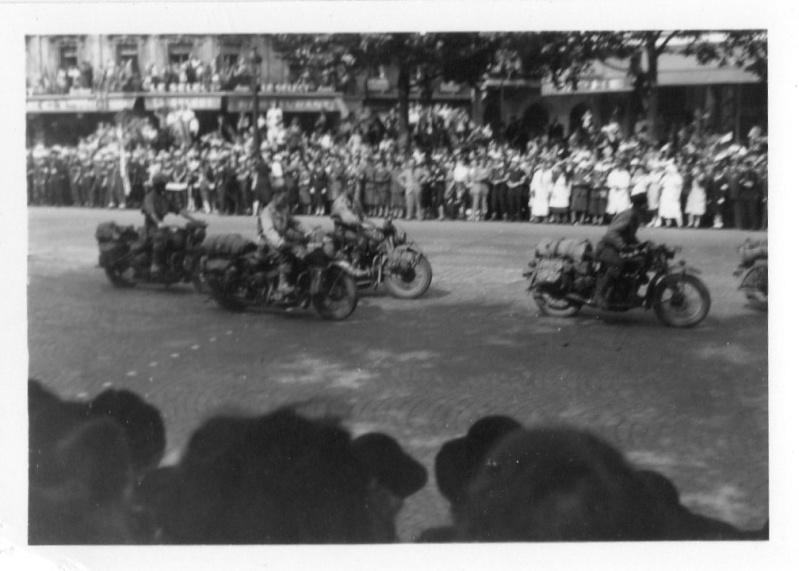 lot photos liberation paris datée 26 aout  et 29 sept 1944 Photo_32