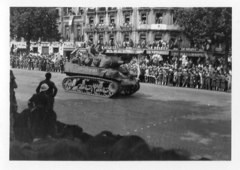 lot photos liberation paris datée 26 aout  et 29 sept 1944 Photo_33