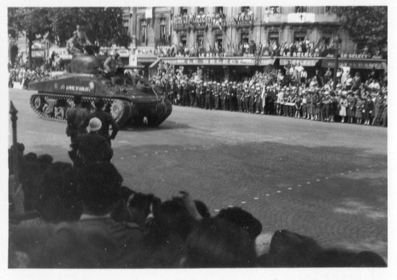 lot photos liberation paris datée 26 aout  et 29 sept 1944 Photo_38