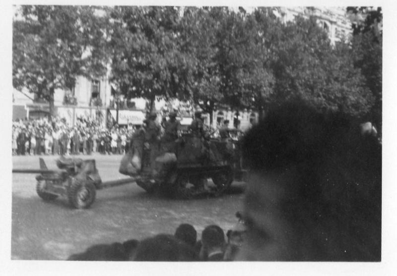 lot photos liberation paris datée 26 aout  et 29 sept 1944 Photo_39