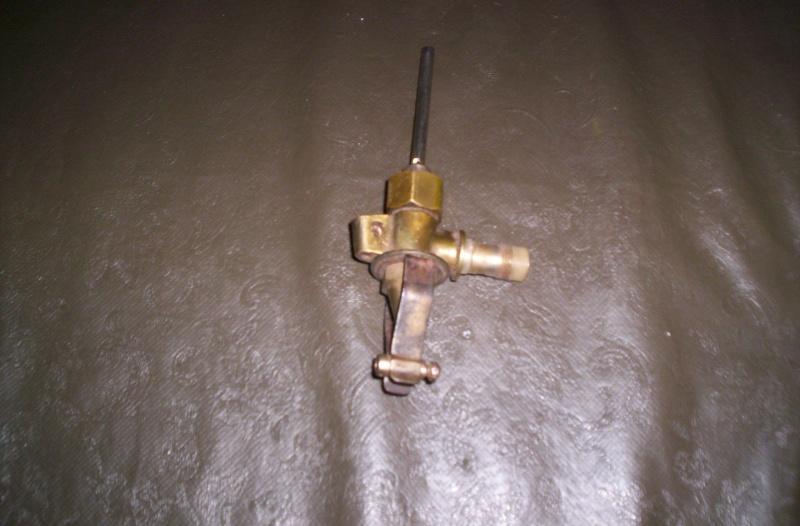 des idees pour un robinet d'essence Rosalie 8 100_1645