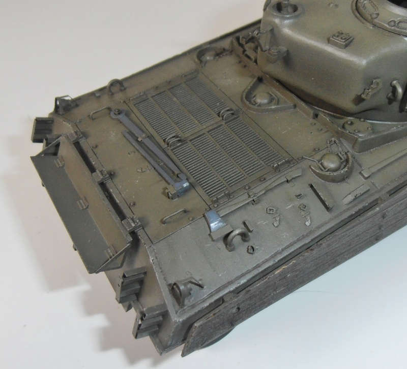 "Sherman M4A3 "" made in Pacifique "" ( Tamiya, Eduard, Neo Models au 1/35eme ) - Page 4 P3200312"