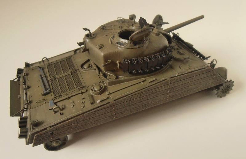 "Sherman M4A3 "" made in Pacifique "" ( Tamiya, Eduard, Neo Models au 1/35eme ) - Page 4 P3200324"