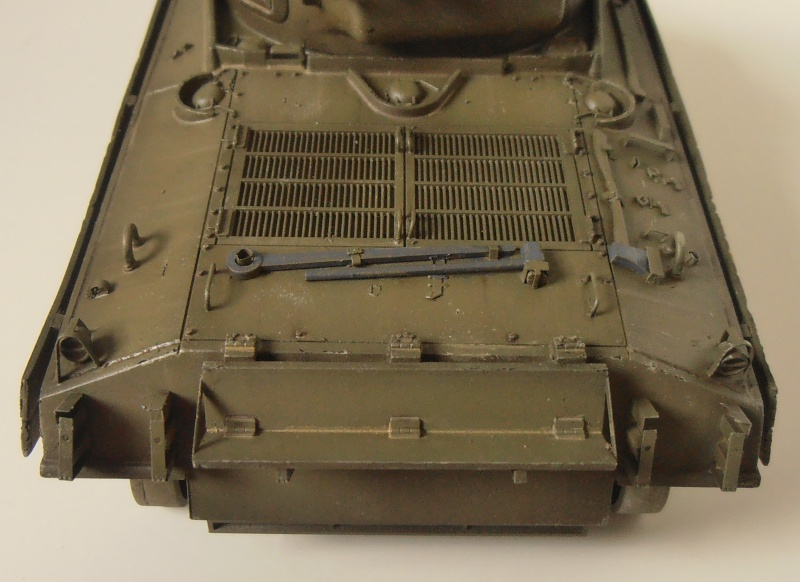 "Sherman M4A3 "" made in Pacifique "" ( Tamiya, Eduard, Neo Models au 1/35eme ) - Page 4 P3200328"