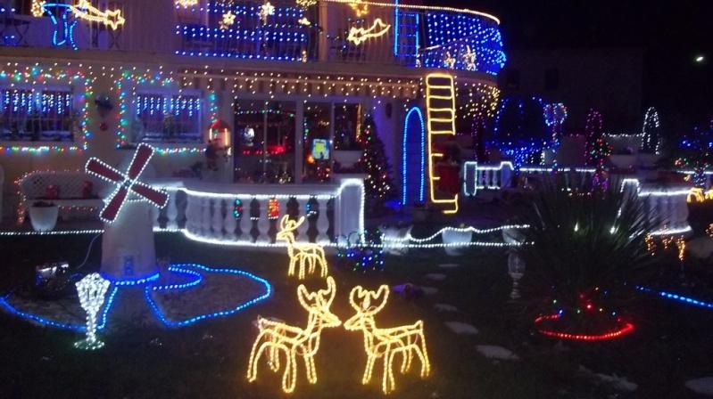 Les illuminations de Noël pour les fêtes 2.015   2.016 ! - Page 5 Decora10