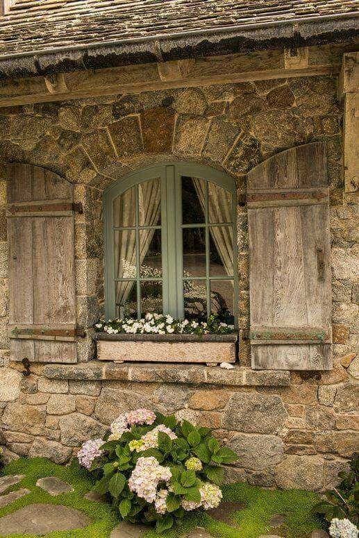 Des fenêtres d'hier et d'aujourd'hui. - Page 38 Fen_1616