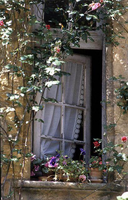 Des fenêtres d'hier et d'aujourd'hui. - Page 38 Fen_1617