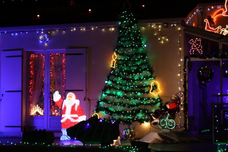 Les illuminations de Noël pour les fêtes 2.015   2.016 ! - Page 6 Maison10