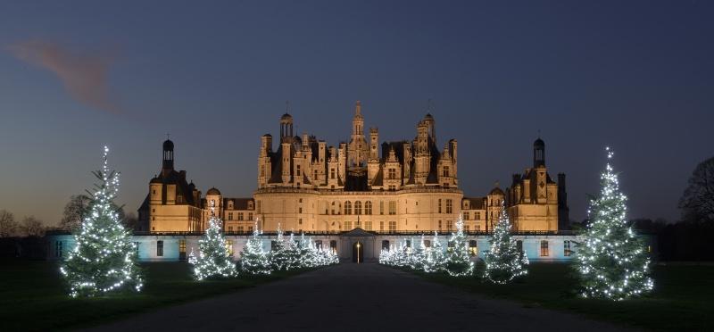 Les illuminations de Noël pour les fêtes 2.015   2.016 ! - Page 6 Noyl-y10