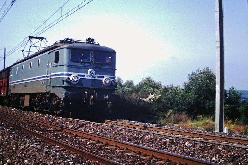CC 7100 sur la ligne entre Remoulins et Avignon Cc-71010