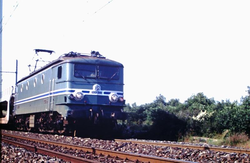 CC 7100 sur la ligne entre Remoulins et Avignon Cc-71012