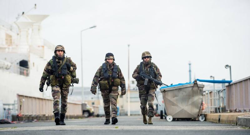 Les actualités de la Marine Française - Page 34 2010