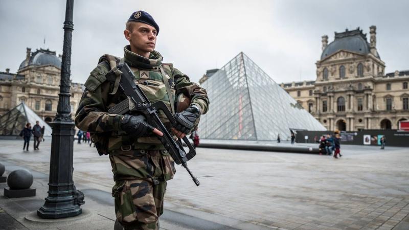 Les actualités de la Marine Française - Page 36 2185