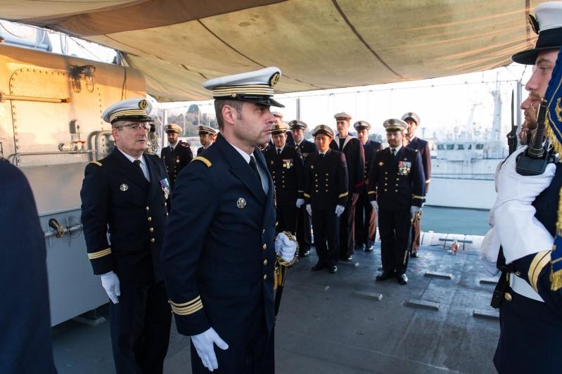 Les actualités de la Marine Française - Page 35 236
