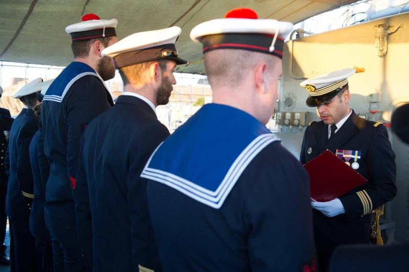 Les actualités de la Marine Française - Page 35 427
