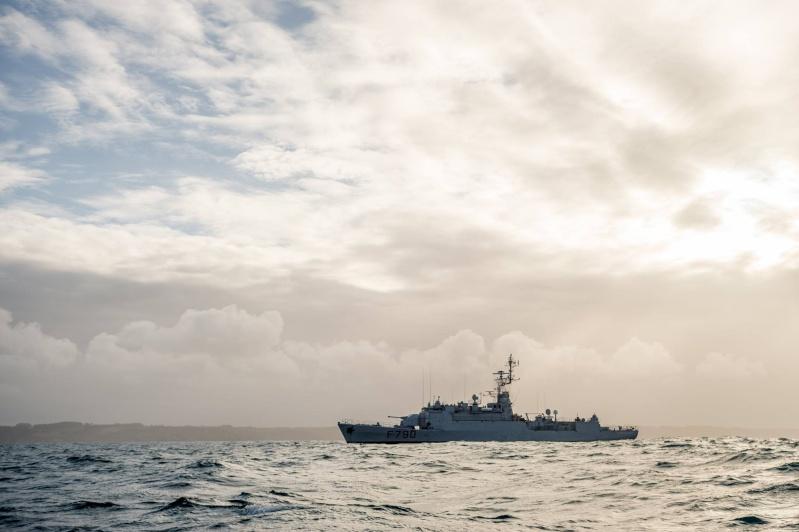 Les actualités de la Marine Française - Page 34 611