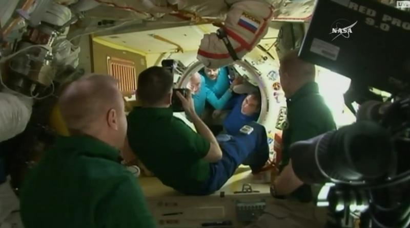 Expédition 46 - Page 4 Soyuz-27