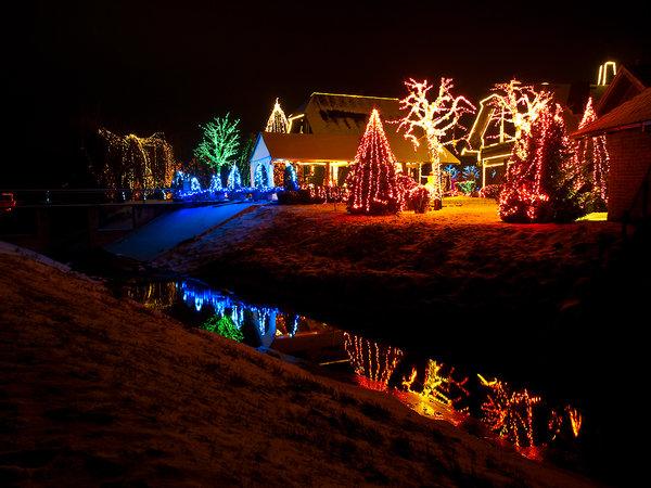 Les illuminations de Noël pour les fêtes 2.015   2.016 ! - Page 6 17f63511
