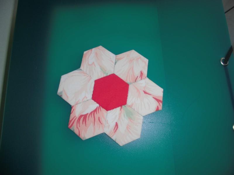 fleurs hexagones Nc710