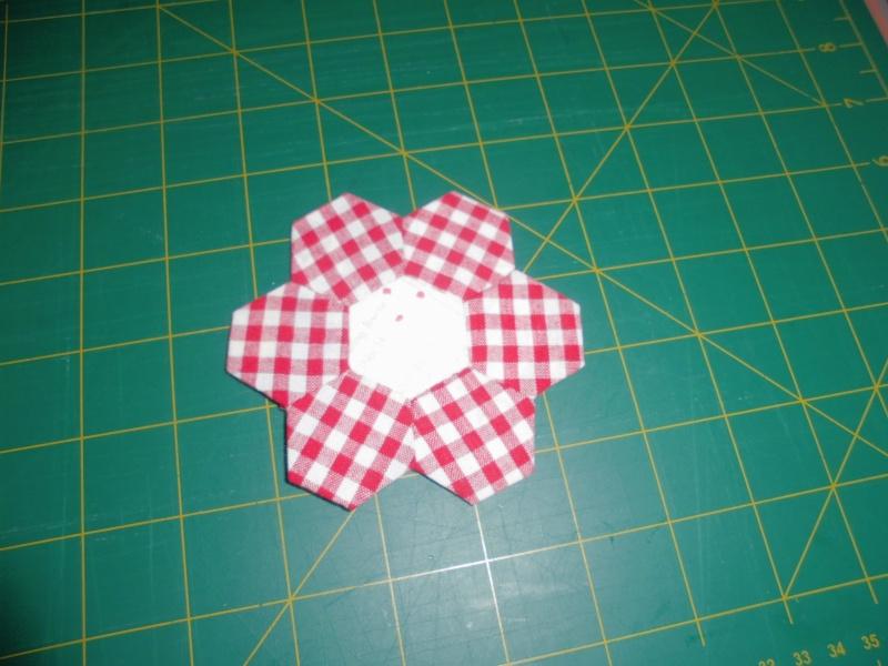 fleurs hexagones Nc810