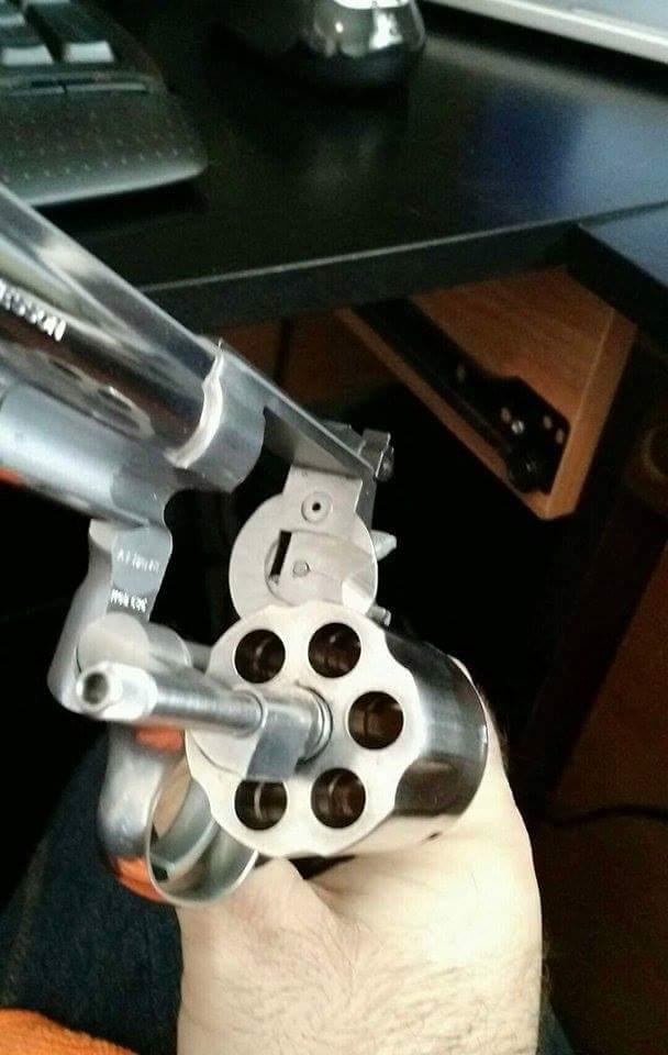 Bon produit pour nettoyer face de cylindres révolvers Receiv10