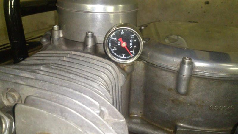 Oil breather : fuite d'huile Dsc_1010
