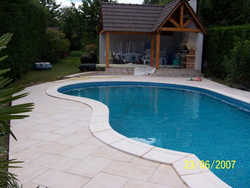 plage autour de la piscine 100_1410
