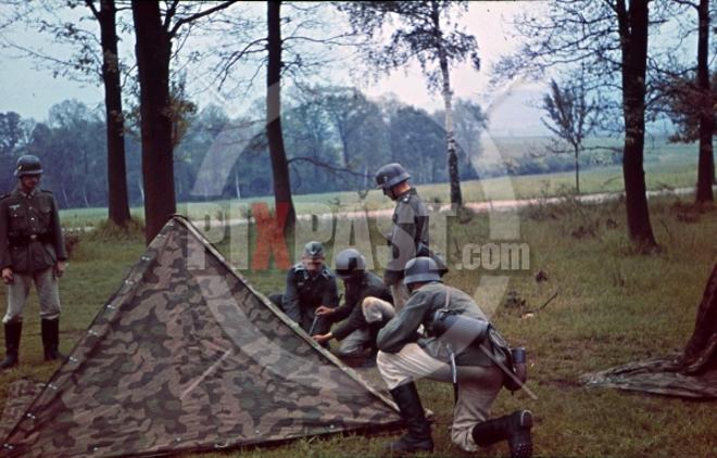 L'influence du camouflage allemand ww2, de nos jours. - Page 6 25810