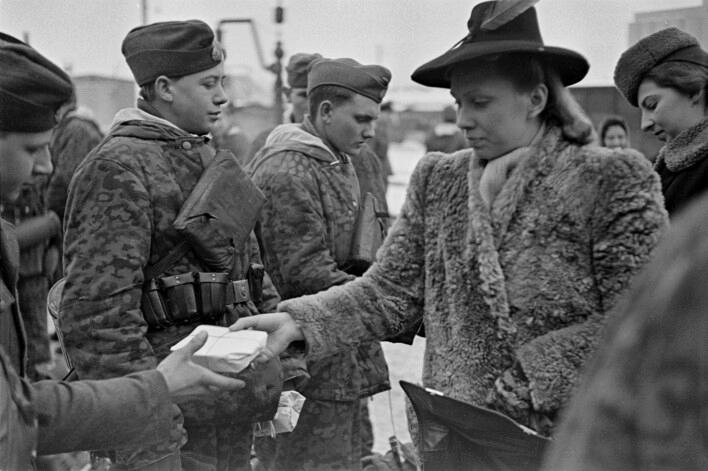 L'influence du camouflage allemand ww2, de nos jours. - Page 5 C10