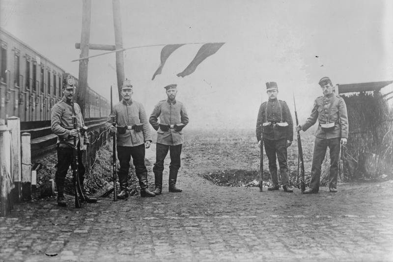 LE MONDE EN GUERRE ET EN MUSIQUE 1914-1918 Kzzigu10