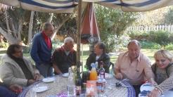 CPM - Quand la convivialité et l'amitié se concrétisent autour d'une table... Dscn4924