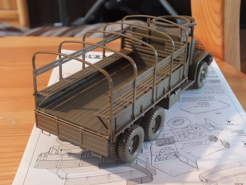 US 2 1/2 Ton 6X6 Cargo Truck Tamiya 35218 avec accessoire 35231 Dscf8812